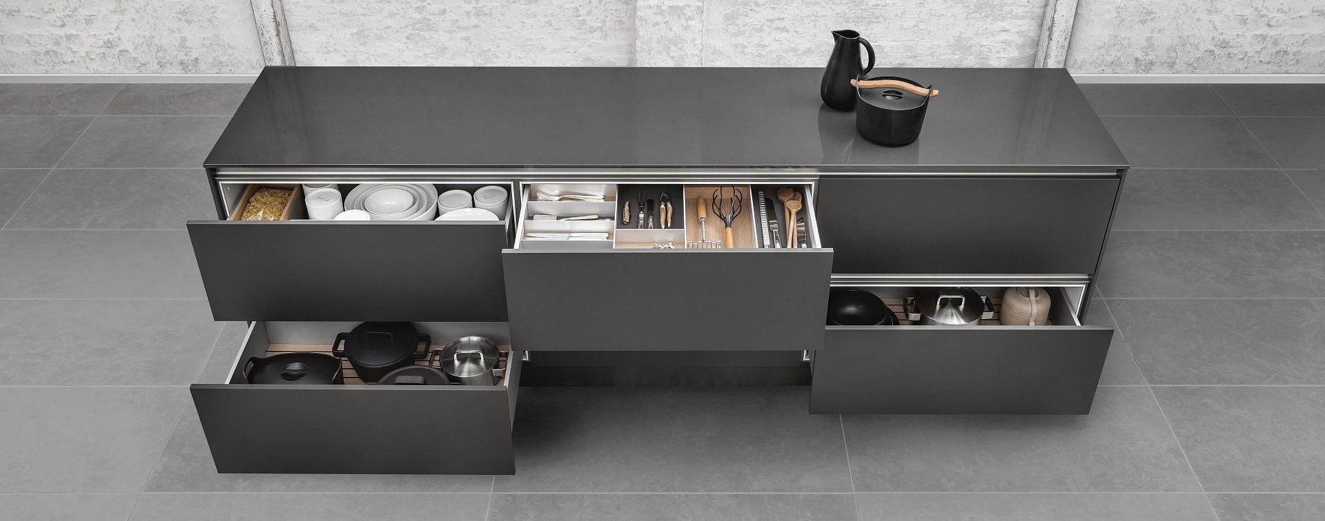 csm_siematic-interior-drawers-pullouts-aluminum-050_1d9042de0d